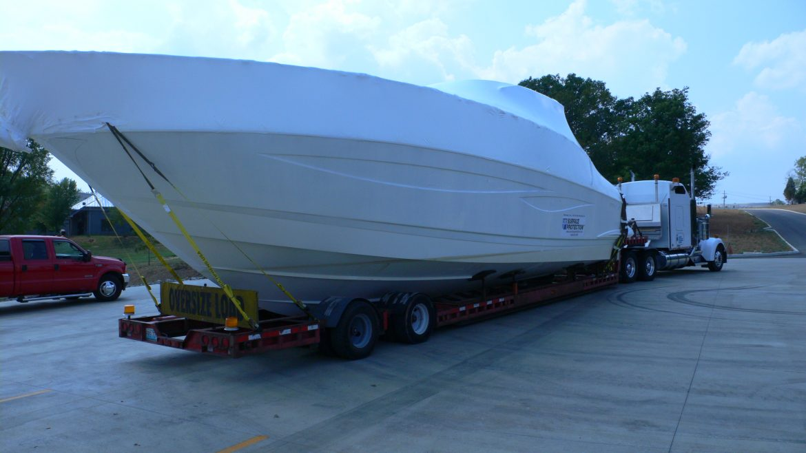Features of yacht and boat transportation